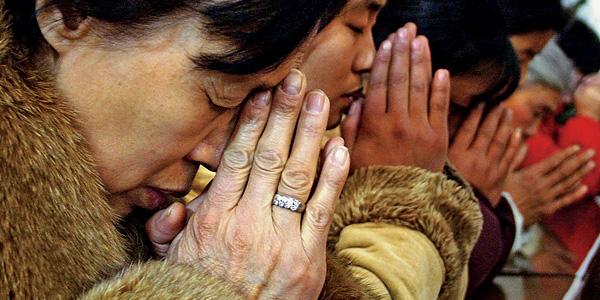 chinese-christians-praying (1)