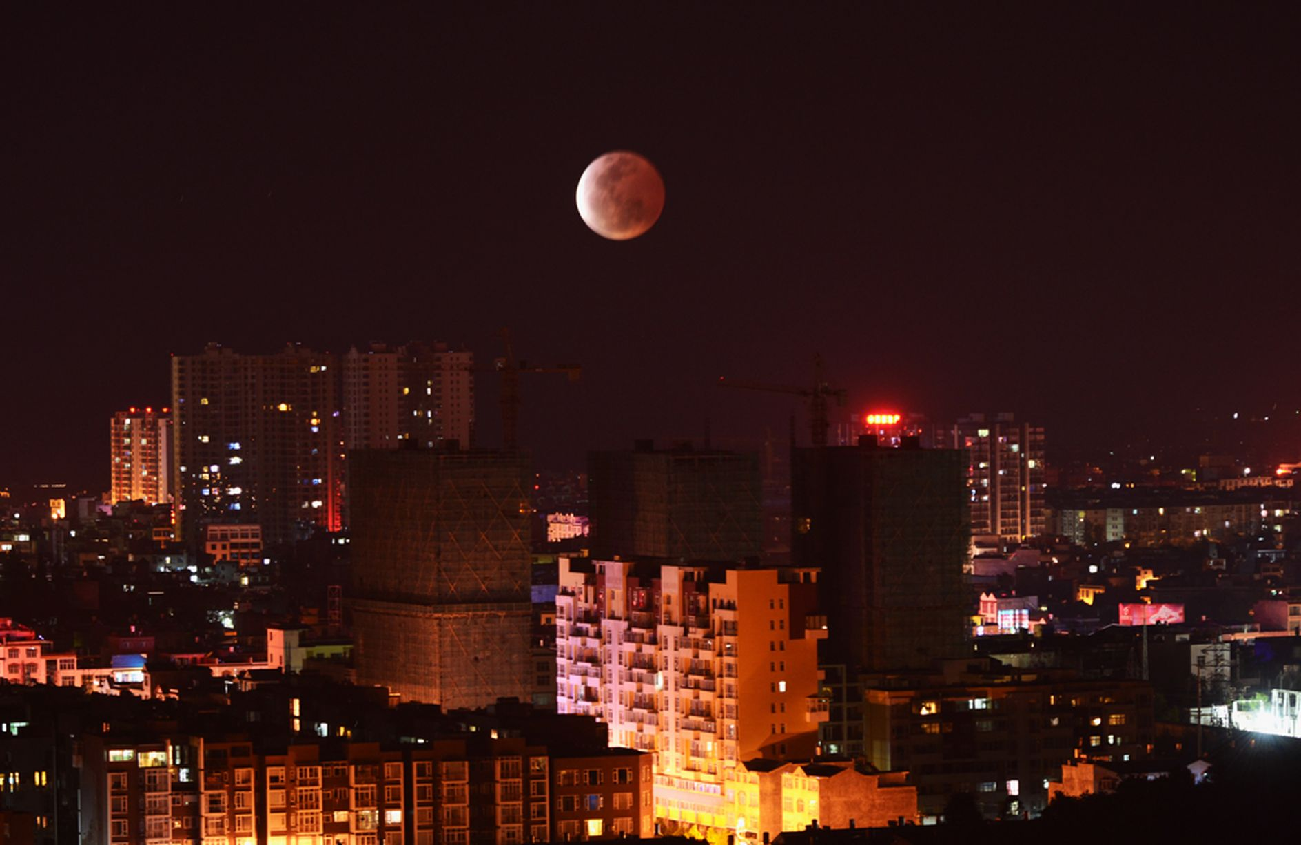 A-blood-red-moon (1)