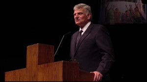 franklin-graham-speaks-at-bgco-event